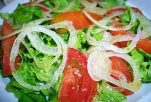 Ensalada Cubana de Tomate Lechuga y Cebolla
